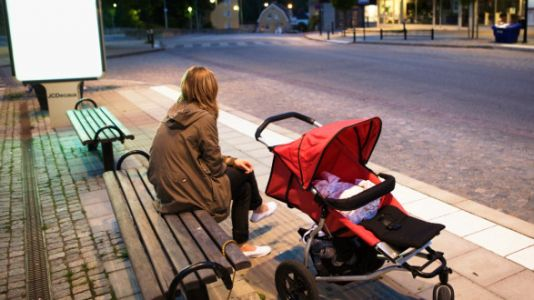 This Is Why Motherhood Is Especially Lonely