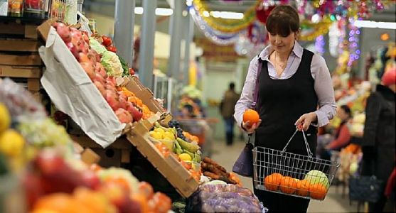 Grocery Workers at Risk for COVID Without Symptoms