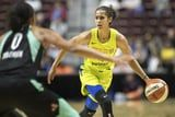 "WNBA All Star Skylar Diggins Revealed She Played an ""Entire"" Season While Pregnant"