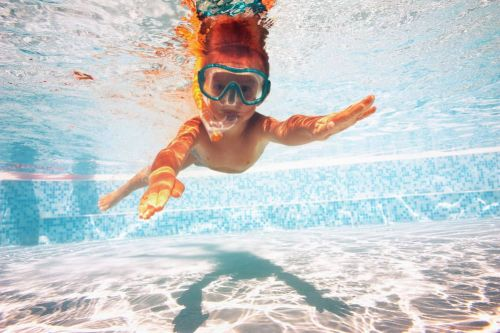Ozone, Saltwater & Fresh Water Swimming Pools: Safer Options For Families Avoiding Toxins