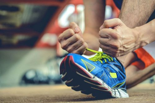 Is It Safe to Lift Weights in Running Shoes?
