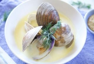 Clams in Creamy Mustard Broth