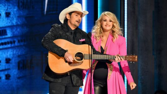 Carrie Underwood Uses CMA Stage To Reveal Sex Of Her Baby