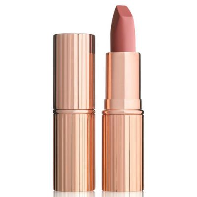 Everyone in Hollywood Is Wearing This Nude Lipstick