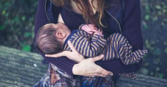 A Depressing Number Of People Still Find Public Breastfeeding 'Inappropriate'