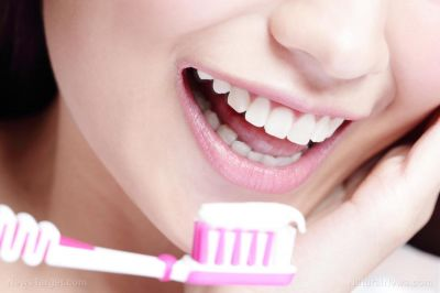 Researchers reveal that brushing your teeth may help prevent cancer