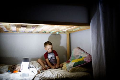 What You Need To Know About Giving Your Kids Melatonin For Sleep Issues