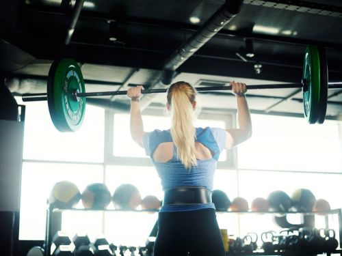 Women Who Wear a Weightlifting Belt May Be at Higher Risk of This Problem