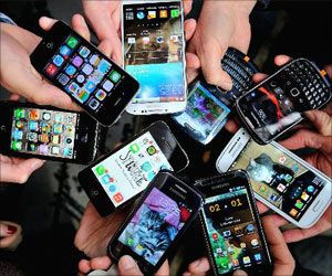 International E-Waste Day 2021: Discarded Cell Phones Richer in Gold Than a Tonne of Gold Ore