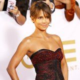 You Won't Believe the Insane Push-Up Halle Berry Loves to Do