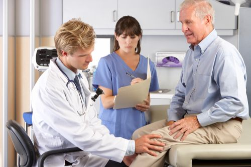 Common Knee Surgery Doesn't Help Older Adults