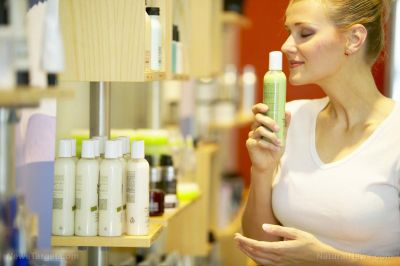 Skin care expert reveals the 20 most toxic chemical ingredients in beauty products. are you poisoning yourself?