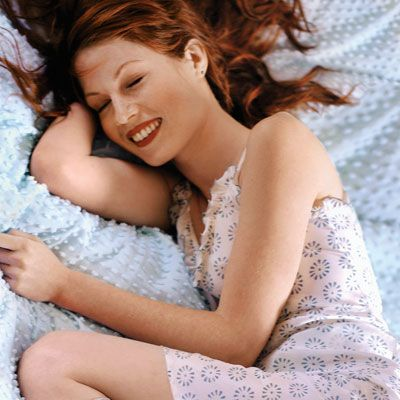 8 Ways to Get Gorgeous Hair in Your Sleep