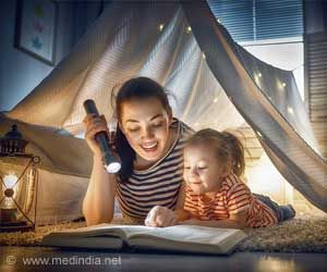Reading with Toddlers can Reduce Harsh Parenting, Improve Child Behavior