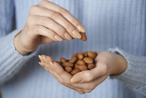Pilot Study finds almond consumption minimizes effects of wrinkles