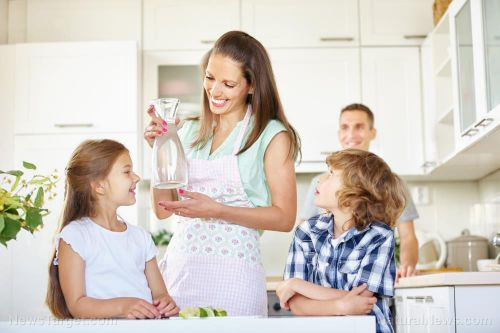 Home is where the heart is: Families who spend quality time at home are happier, says study
