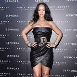 Here's the Diet and Fitness Routine Rihanna Follows to Stay Strong and Healthy