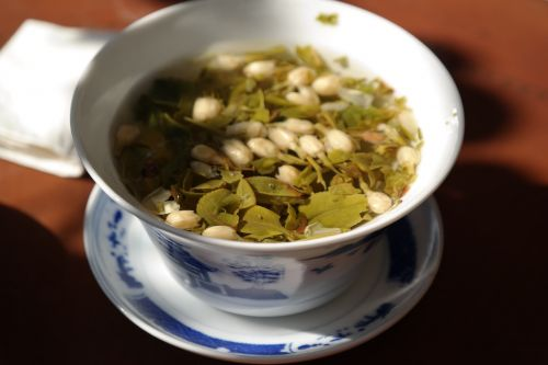 Green tea promotes healthy teeth and gums
