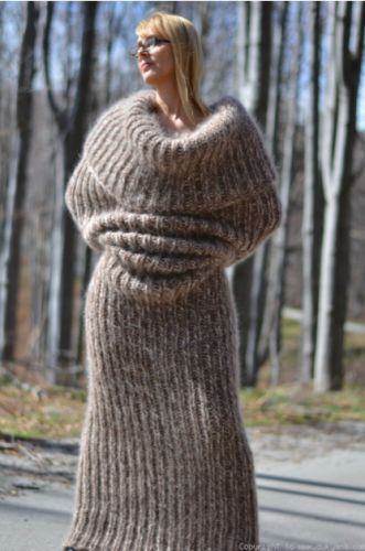 This Full-Body Scarf Screams 'Leave Me Alone'
