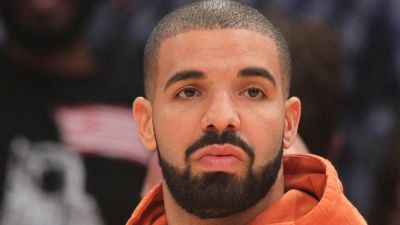 """In Case You Didn't Realize It By Now, Drake Has Been """"In Love"""" With Everybody"""