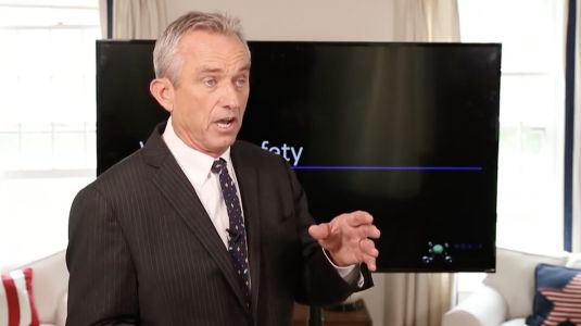 Robert Kennedy Jr. launches first lawsuit of thousands against Monsanto alleging herbicide Roundup causes non-Hodgkin's lymphoma