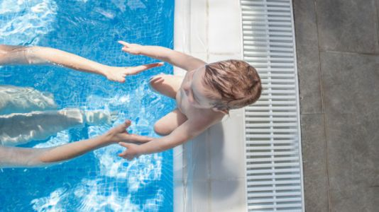Safety Experts Recommend Kids Start Swimming Lessons At 1 Year Old