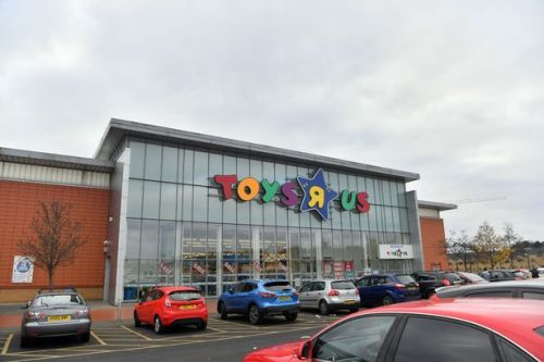 Mass vaccination centre to open at Toys R Us site in Cardiff Bay