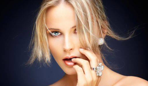 Toxic jewelry found on the shelves of popular retailers