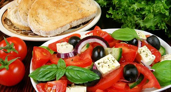 How the Mediterranean Diet Can Help Women's Hearts