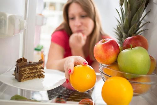 5 Dinner Eating Habits that Harm Your Waistline and Metabolic Health