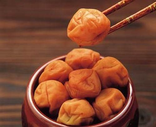 Umeboshi is a natural immune system booster: Just eating 2 plums a week can result in DRAMATIC changes to your health