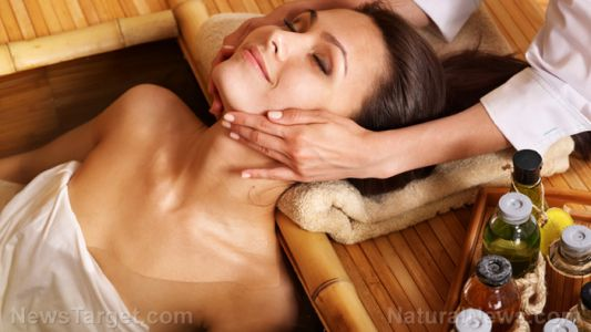 Oncology massage and healing touch are natural alternatives for pain relief in cancer patients