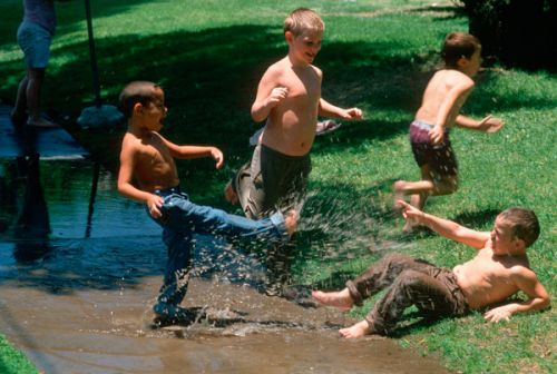 If You Grew Up In The '80s And '90s You Weren't 'Neglected'- Your Summers Were The Best