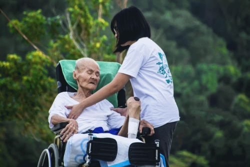 10 Vital Questions To Ask When You're Looking For The Right Aged Care Provider