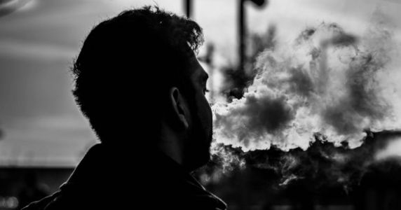 Undercover Research Finds Half Of Tobacco And Vape Stores Aren't IDing Teens