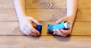 Discontinuation of multiple-inhaler triple therapy high among patients with asthma