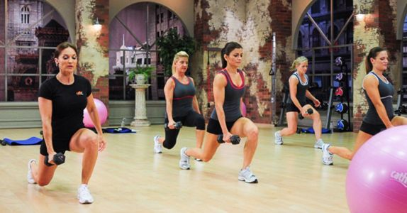 Walking Lunges with Weights and Why You Should Be Doing Them