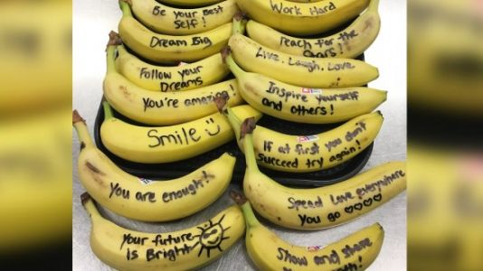 School Cafeteria Worker Writes Positive Messages To Students - On Bananas