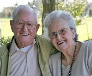Communication Therapy Helps Couples Dealing With Dementia