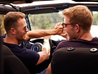 Men Are More Satisfied By 'Bromances' Than Their Romantic Relationships, Study Says