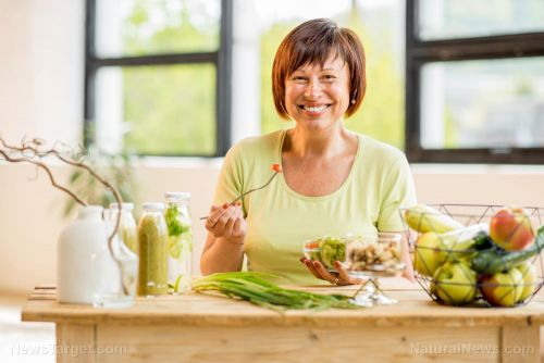 Dreading menopause? Delay it with a healthy diet!
