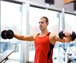 One Hour of Weightlifting a Week May Cut Your Risk for Heart Attack