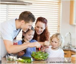 Parents' At-Home Diet, Shape Child's Food Preferences, Study