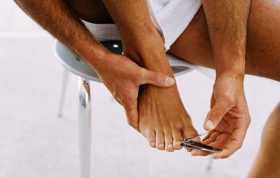​7 Ways to Avoid Getting a Gross Toenail Fungal Infection