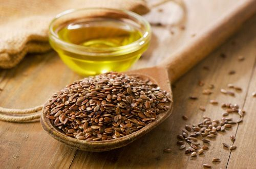Flaxseed vs. Flaxseed Oil: Is One Healthier Than the Other?
