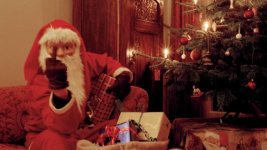 'Bad Santa' Throws A Sweary Tantrum And Freaks Kids Out