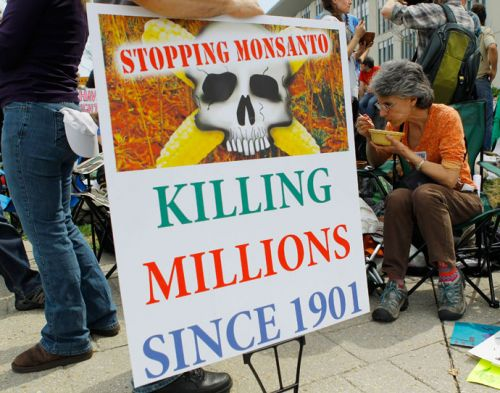 "EPA toxicologists classified glyphosate as ""possibly carcinogenic to humans"" as far back as the 80s; employed Dr. Martin Kuschner to undermine findings in the now infamous ""mouse study"" they've been manipulating ""science"" for decades"