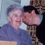 How to Help Your Aging Loved Ones When You're a Long-Distance Caregiver