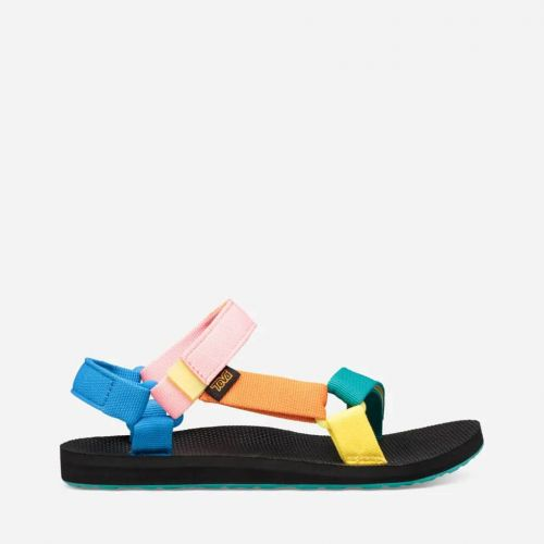 8 Comfy Sandals To Help Busy Mamas Slide Into Summer