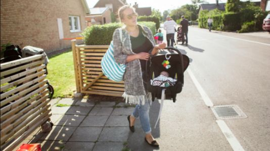 Postpartum Moms Should TRY To Avoid Lugging Around Car Seats